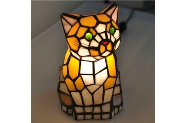 きょうの猫村さんの猫ランプはティファニーのテーブルランプ!